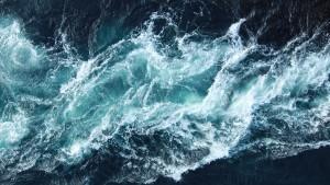 Une mer agitée