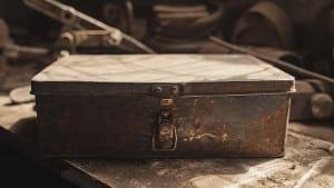 Une vieille boîte usée et poussiéreuse